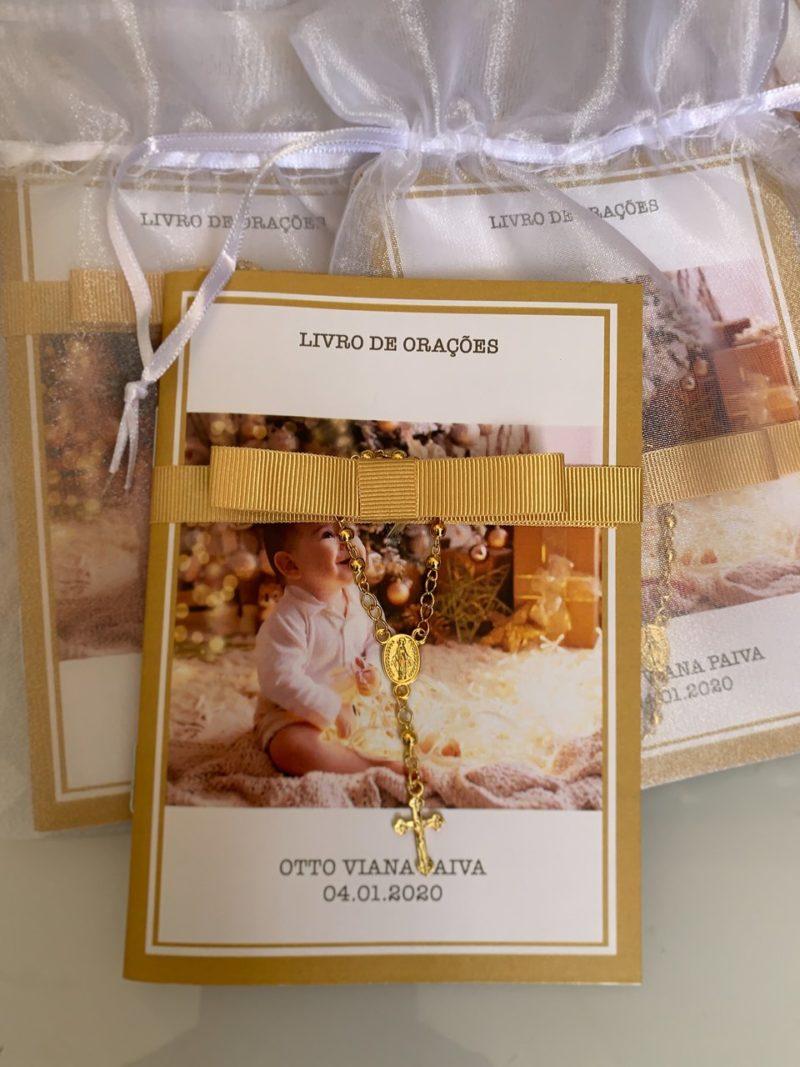 Livro de orações para o batizado do Otto Viana Paiva
