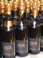 garrafas chandon 750ml personalizadas com rótulo e fita preta