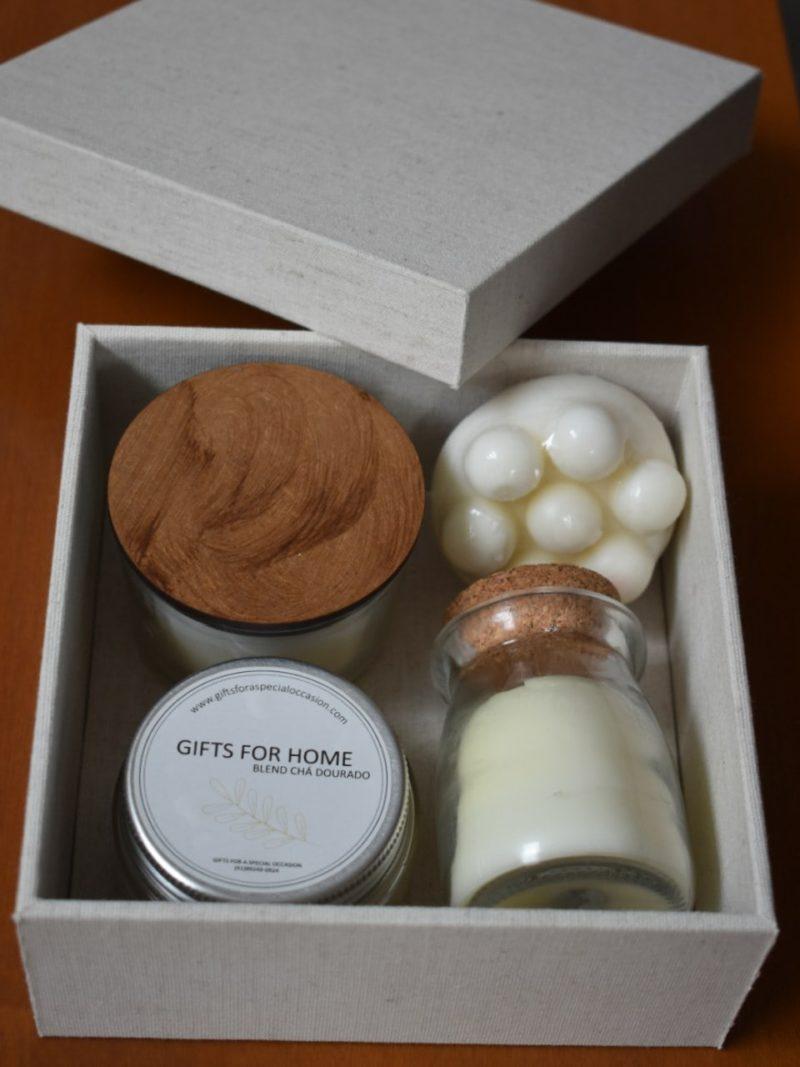 Caixa do kit spa III com vela, sais de banho, esfoliante e sabonete massageador