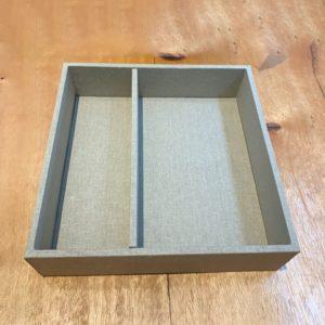 caixa forrada padrinho simples com uma divisória