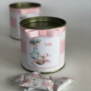 """Lata Grand Gourmet """"bonbons"""" com balas de yogurte em embalagem personalizadas, em tubo lata com rótulo e fita"""