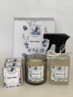 Kit Cadeau Boas Vindas com 3 sabonetes, 1 vela e 1 agua de lençol em embalagem de acetato com luva e rótulos personalizados
