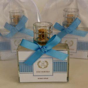 Home Spray Clean com válvula dourada e tampa transparente, rotulo personalizado e fita azul